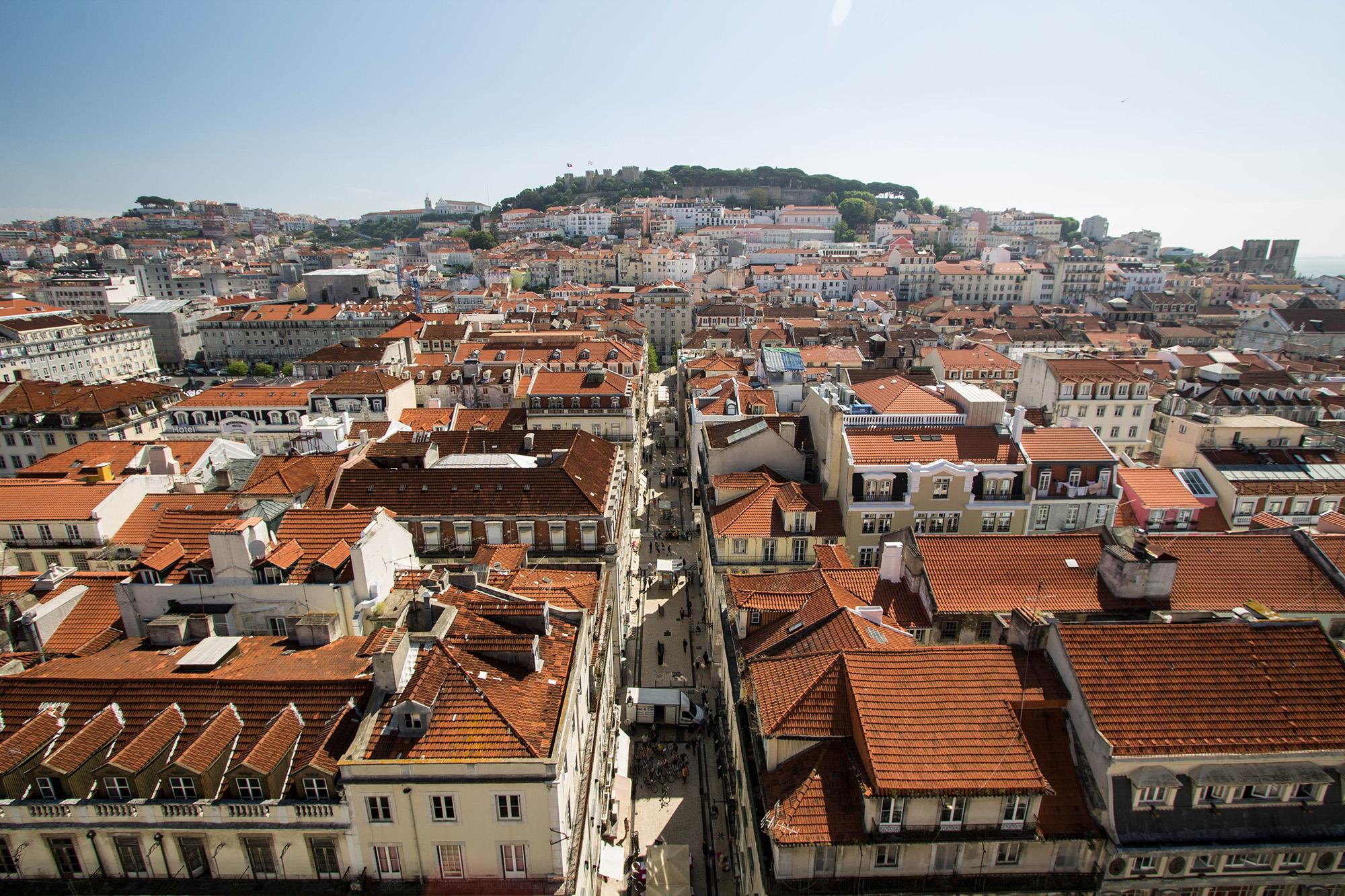 Lisbonne : 10 choses à voir - Belvédère de l'ascenseur de Santa Justa - Marie Naudon