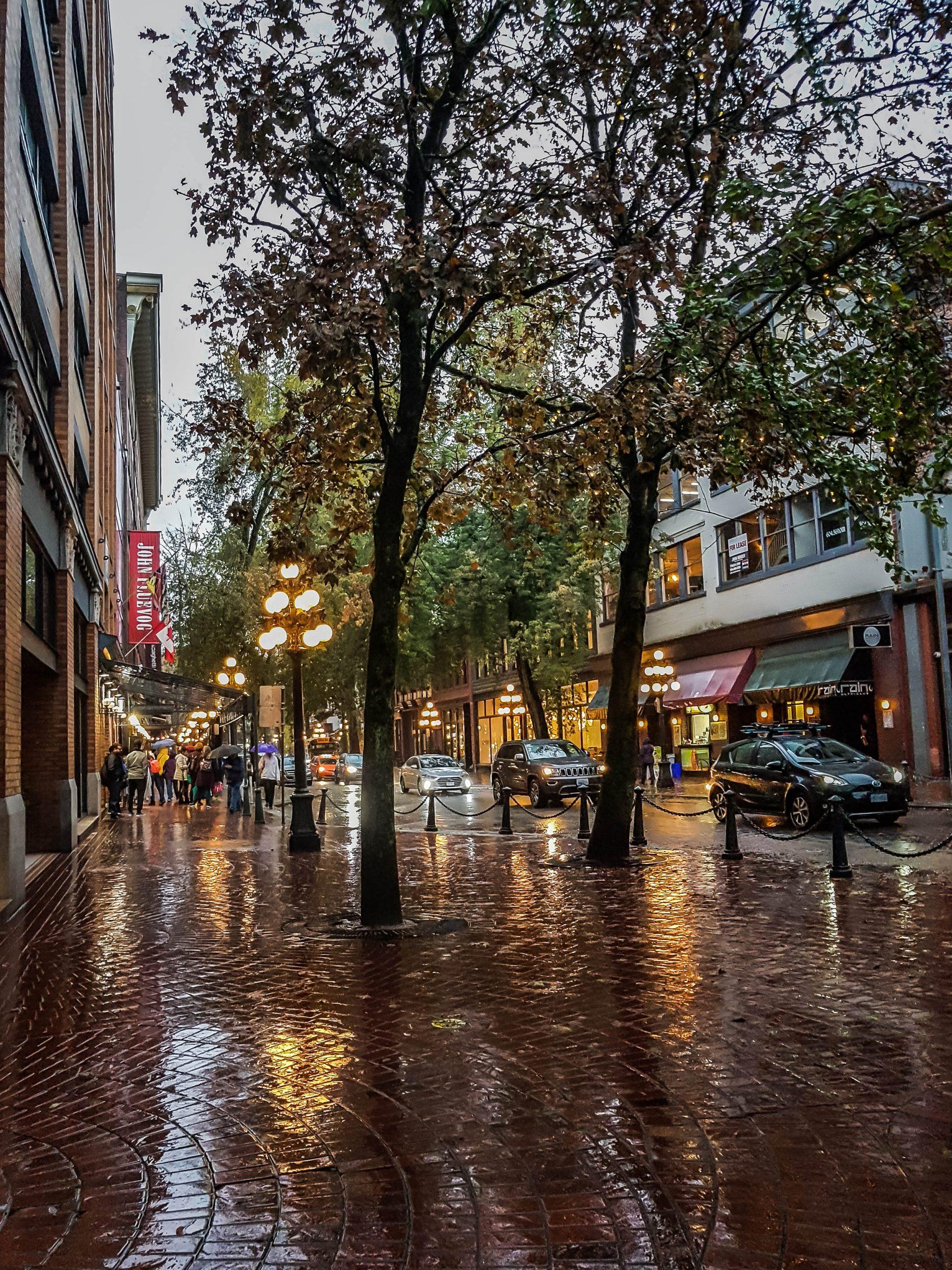 Vancouver - Gastown - Rain - Road Trip - B.C