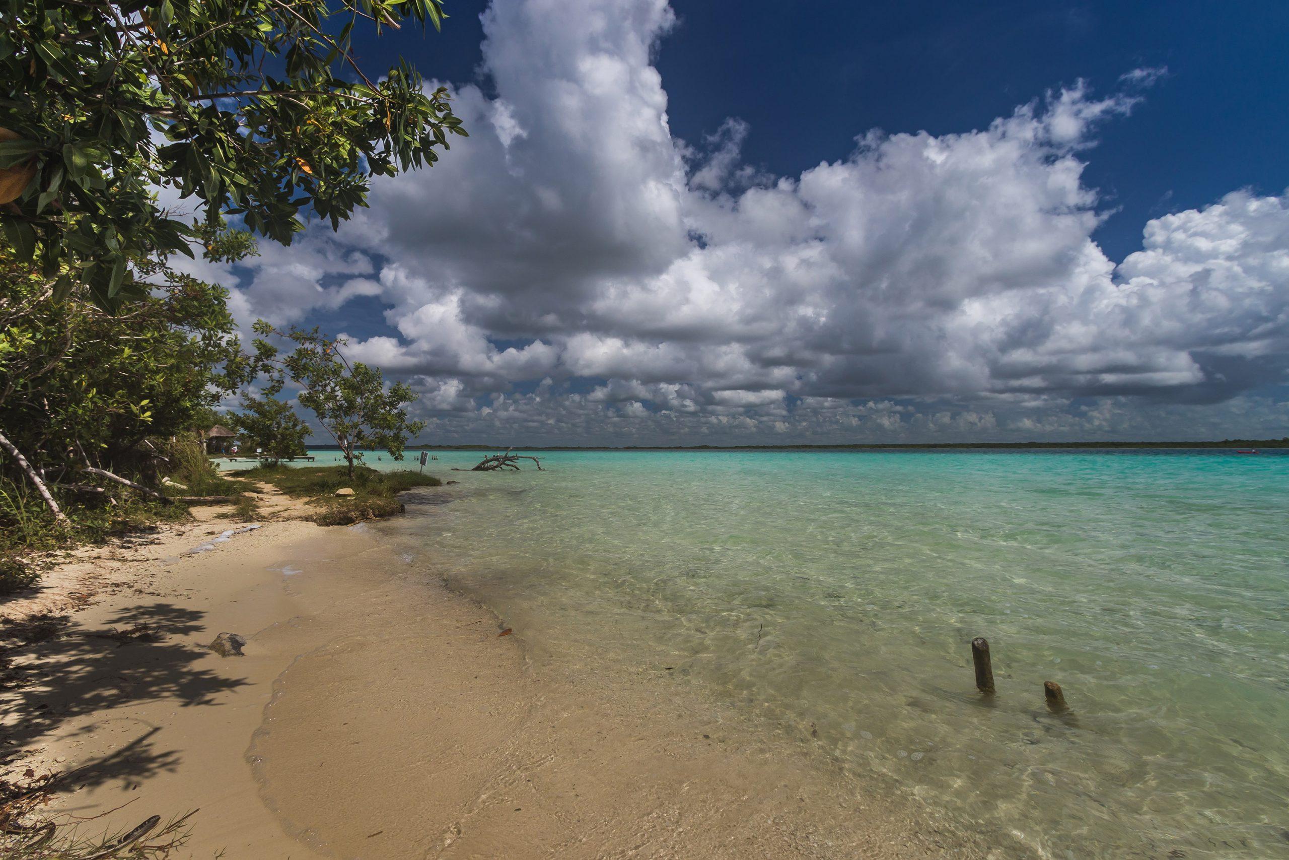 Bacalar - Plage et eau turquoise - Marie Naudon