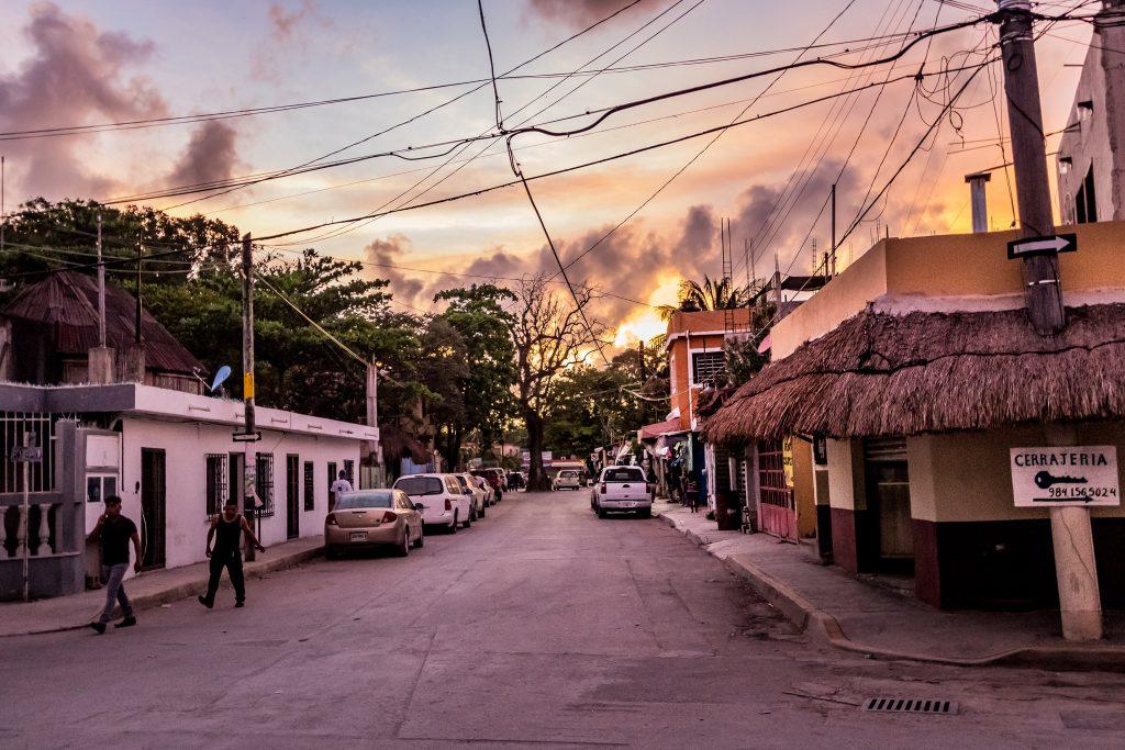 Tulum au coucher du soleil - Mexique - Marie Naudon